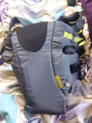 Baby carrier for Sale in Frostproof, FL