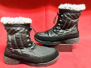 TOTES EVE Black Women's Winter Boots Fuax Fur Insulated Waterproof Snow 8M for Sale in Las Vegas, NV