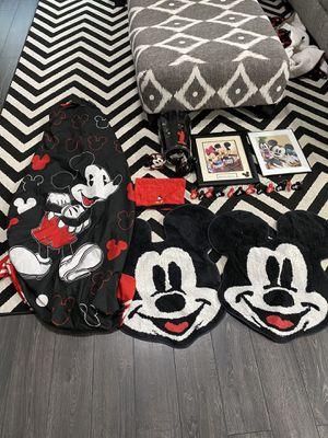Mickey Mouse Bathroom Set for Sale in Tomball, TX