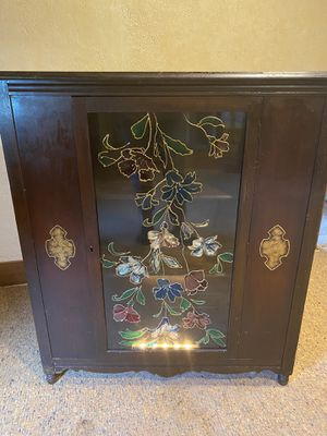 Antique china cabinet with light for Sale in Jeannette, PA