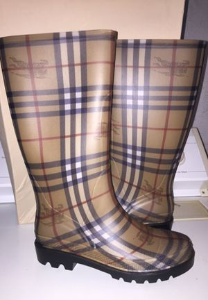 Burberry rain boots size 8 USA Eur size 38 never worn for Sale in Clinton Township, MI