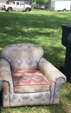 Free Chair good bones fabric is faded . Just pick it up Burbank and Lutie St for Sale in Nashville, TN