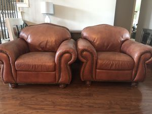 High End Luxury Leather Nailhead Living Room for Sale in Fort Worth, TX