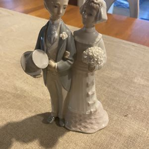Lladro Wedding Figurine - Bride and Groom for Sale in Miami, FL