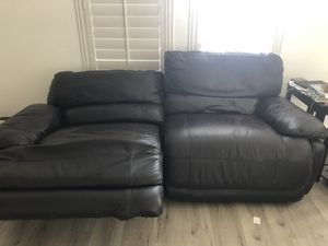 Black Electric Reclinable Leather Couch for Sale in Oceanside, CA