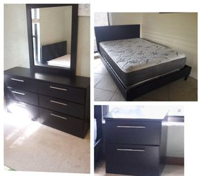 New queen platform bed frame. Dresser. Mirror. One nightstand. Mattress not included. Delivery for Sale in Boca Raton, FL