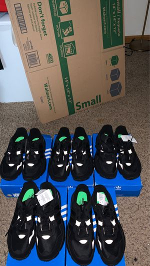 Adidas Yung-96 size 7 brand new for Sale in Grove City, OH