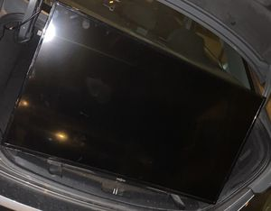 40 inch tv near new 110 I deliver to PA NJ DE Must claim now no holds for Sale in Yeadon, PA