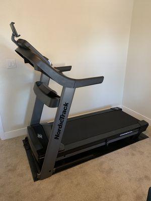 NordicTrack Commercial 2450 Treadmill for Sale in Scottsdale, AZ