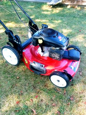 """Toro Recycler 22"""" 3-N-1 Self-Propelled Lawn Mower for Sale in Marlow Heights, MD"""