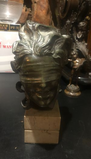 BRONZE BUST SIGNED BY AURISICHIO 12 x8 for Sale in Yonkers, NY
