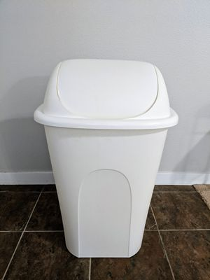 Trash Can for Sale in Issaquah, WA