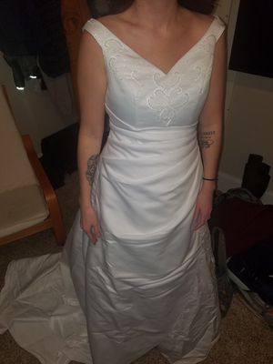 Wedding dress. David's Bridal for Sale in Steubenville, OH