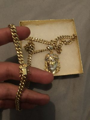 Brand new 14k gold chain and pendant for Sale in New York, NY