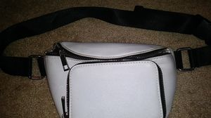 White waist bag! U can even adjust the size for Sale in Daly City, CA