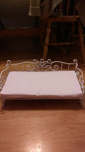 DOLLS DAYBED for Sale in Baltimore, MD
