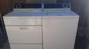 Lavadora y secadora de gas whirlpool trabajan bien for Sale in Bakersfield, CA