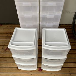 Plastic Drawers - Free for Sale in Seattle, WA
