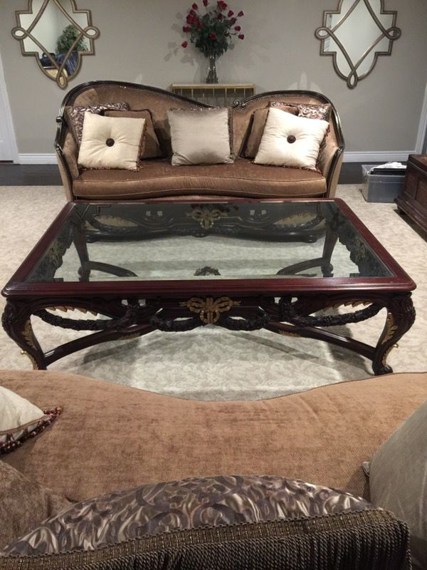 Table Must go! Oversized coffee table