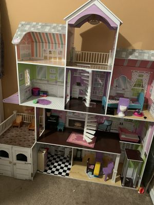 Doll house for Sale in Everett, WA