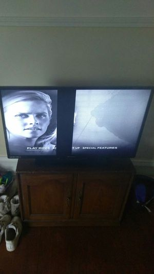 42 inch Emerson Flat screen tv for Sale in Lansing, MI