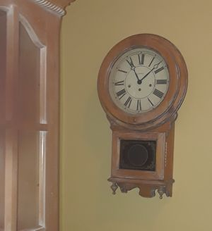 Must pick up by 6 tonightLovely antique wall Grandfather clock decor for Sale in Brooklyn, NY
