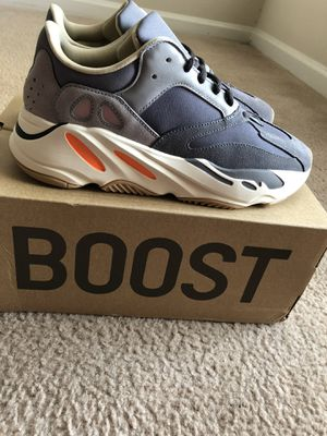 YEEZY BOOST 700 MAGNET SZ 9 for Sale in Atlanta, GA