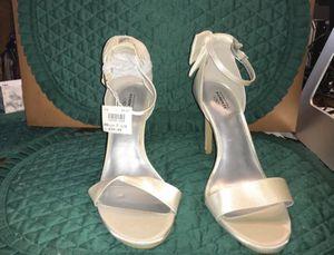 Womens SZ 7 1/2 White Satin & Rinestone Strappy Wedding Sandal for Sale in Rossville, GA