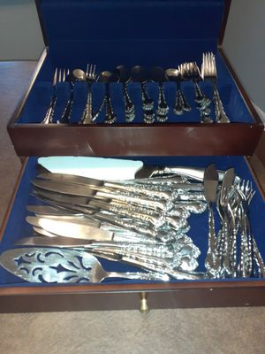 78 piece stainless silver set and case for Sale in Streamwood, IL