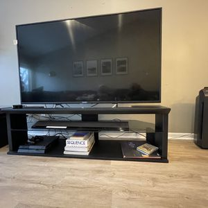 TV Stand / Media Console for Sale in Schaumburg, IL