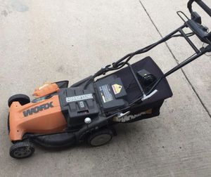 """Worx Pace Setter( need gone ASAP make an offer ) (19"""") 36-Volt Cordless Electric Self Propelled Lawn Mower for Sale in Pickerington, OH"""