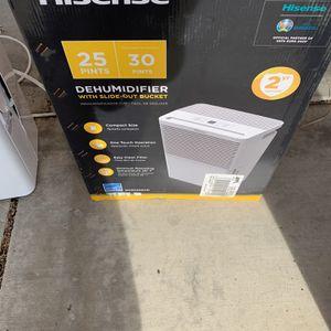 Hisense Dehumidifier 25 Pint for Sale in Las Vegas, NV