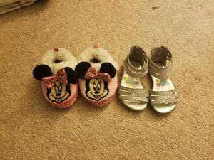 Toddler Little girl shoes size 4-6 READ DESCRIPTION for Sale in Perris, CA