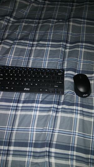 Wireless keyboard and mouse for Sale in Auburn, WA