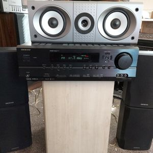 Onkyo HT-R540 RECEIVER & Surround Speakers for Sale in Jonesville, NC