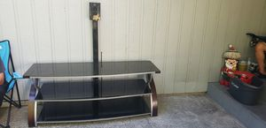 T.V. stand good condition for Sale in Lynnwood, WA