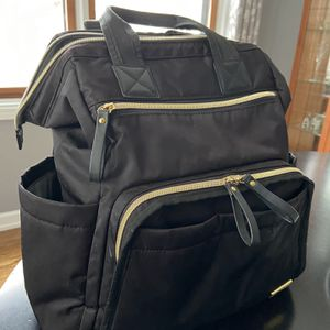 SkipHop Black & Gold Backpack Diaper Bag for Sale in Villa Park, IL