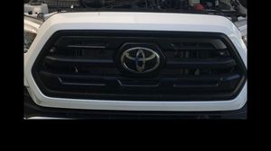 2016/2019 Toyota Tacoma SR/SR5 part for Sale in Fresno, CA