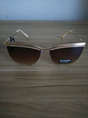 Steve Madden Sunglasses for Sale in Temple Hills, MD