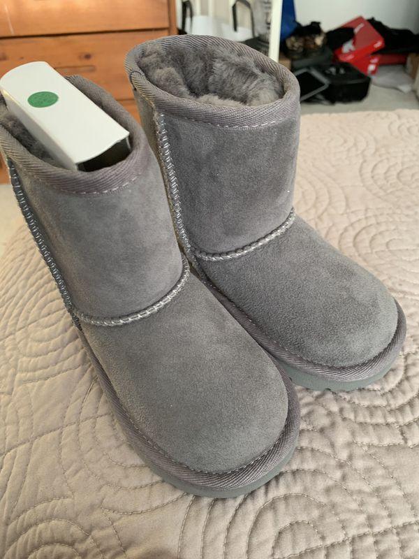 Grey Ugg boot sz. 11