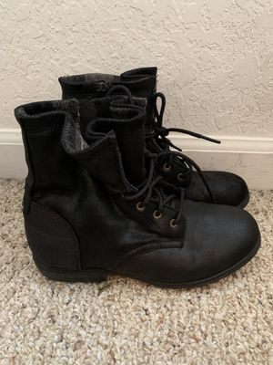 Girls size 3 boots for Sale in Oviedo, FL