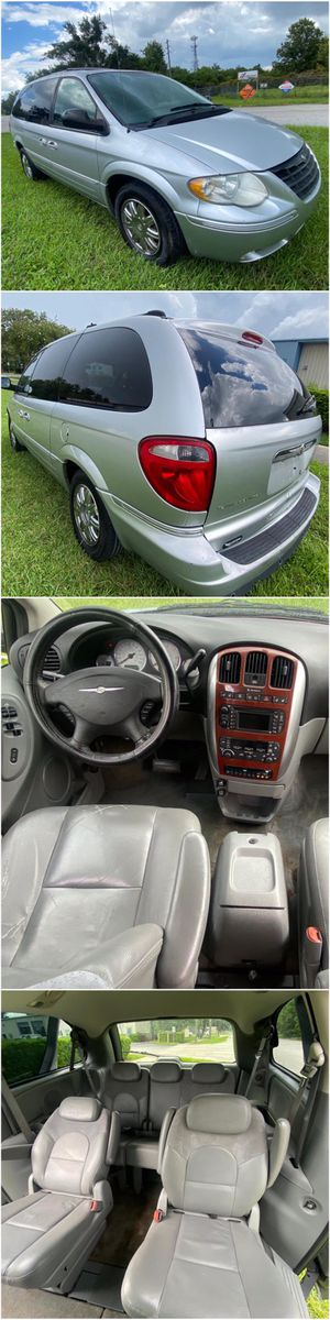 2005 Chrysler Town & Country for Sale in Kissimmee, FL