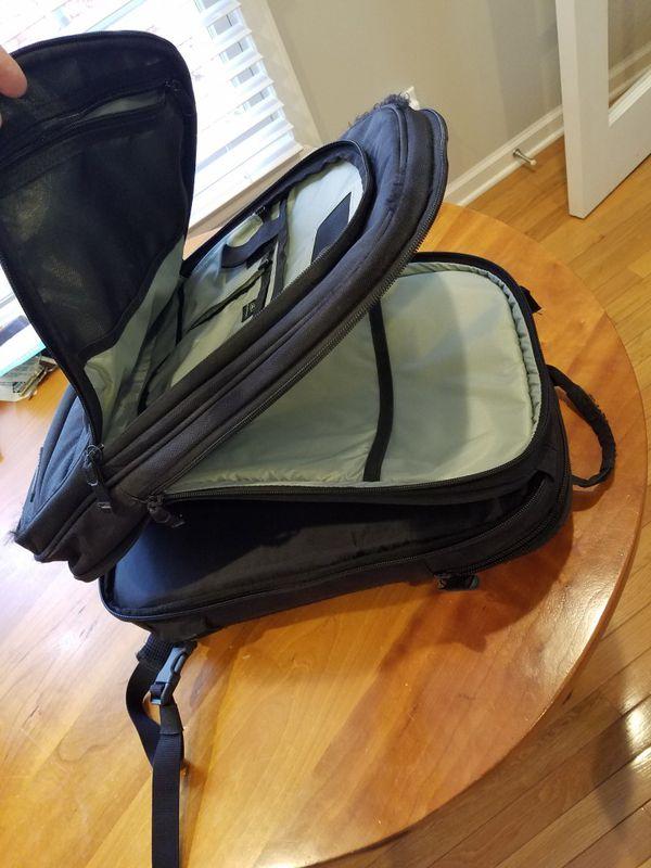 Brenthaven backpack for laptop