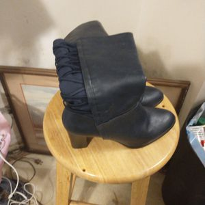 Size 8 Medium Leather Boots for Sale in Sunbury, OH