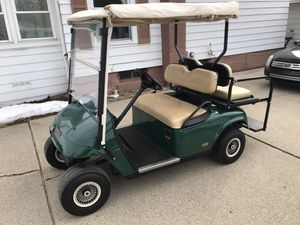 2005 36v EZ-GO Golf Cart W/Charger*Excellent Condition*Brand New Battery's 11/2019*Location Perry MI for Sale in Perry, MI