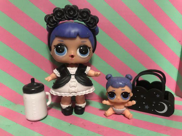 Lol Dolls Series 2 midnight and lil midnight