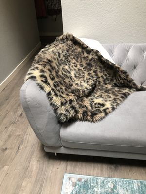 Faux FUR Chetah print throw 2 available for Sale in Bothell, WA