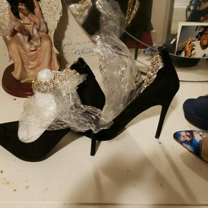 Brand New Lula Black Pumps Never WORN for Sale in Seattle, WA