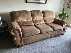 FREE Set of Couches in Federal Way for Sale in Federal Way, WA