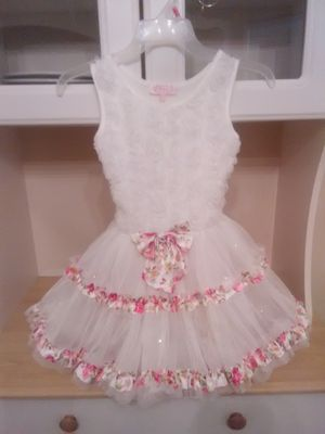 Little Girls White Flower Lace Dress for Sale in Fresno, CA